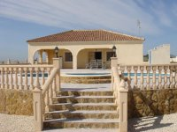 Private Villa with pool and central heating (1)